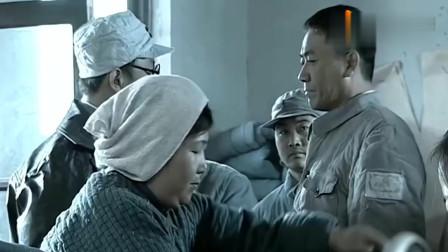 李云龙前一秒还在发牢骚,突然旅长前来,他乖乖的服从