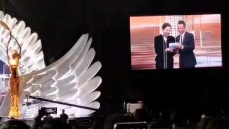 #第30届中国电视金鹰奖 #王一博 获得最受观众喜爱男演员奖,恭喜!