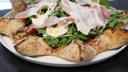 独特的海星造型披萨饼,上面还放了好多马苏里拉奶酪