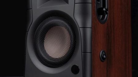 桌面近场HiFi新传奇--惠威 D100同轴光纤蓝牙有源音响