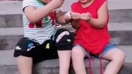 童年趣事:这么大一颗蒜,你就掰一小块给我?