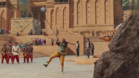 且看印度王子一人碎大石,中国样式的杂技,在印度封神