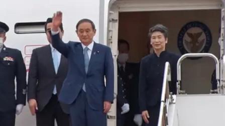 日本新任首相菅义伟首次出访选择越南,携夫人公开亮相!