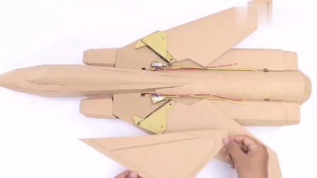 达人用纸板制作一架飞机,还用火柴做推力起飞,真是人才