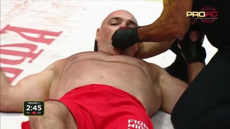 MMA最暴力KO合集, 第一个很可怕,倒地后身体僵直