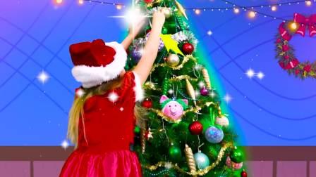 外国萌娃时尚,小萝莉在装扮圣诞树,真有意思呀