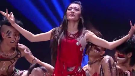 奇舞飞扬:这美女是杨丽萍爱徒?一起舞,便引来观众欢呼声