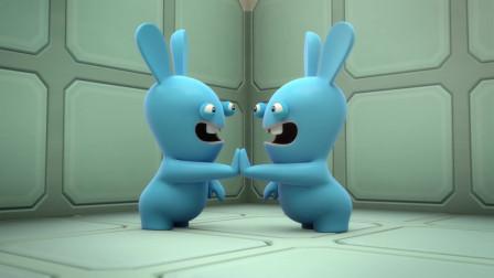 疯狂的兔子:蓝兔子被排挤,躲角落里哭
