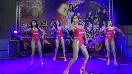 美女广场性感舞蹈 Baby Queens 皇后
