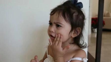 小萝莉有一天看到了,自己婴儿时期哭泣的视频,这反应太好玩了