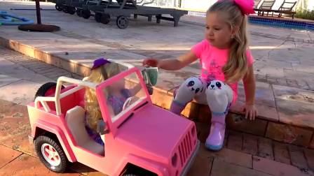 美国萌娃时尚,小萝莉在清洗玩具车,好棒呀