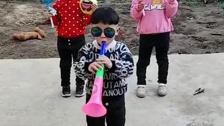 童年趣事:家里的派对舞台
