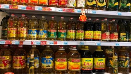 """买食用油时,只要桶上有这""""2个字"""",不管多便宜,都是优质好油"""