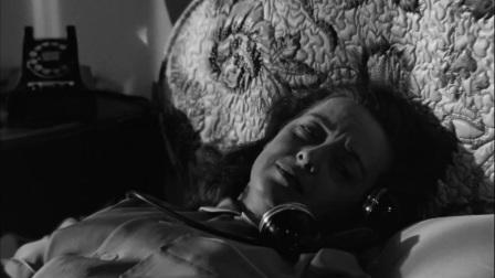 彗星美人:美女和男子煲电话粥,聊的太有趣了