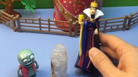 王后想吃奥特曼胶囊,正好遇到小鬼拿着胶囊,王后真会演戏