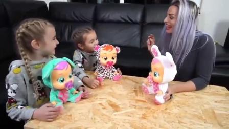 萌娃:萌宝小可爱收养了好几个宝宝