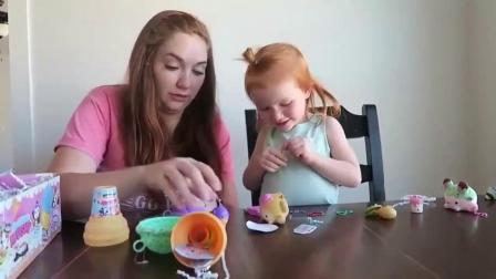 萌娃:萌宝小可爱收到了一个神奇的盒子