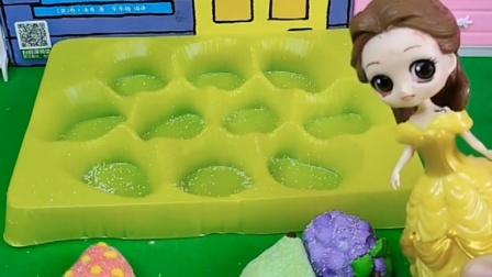 贝儿在找白雪公主,但是没找到白雪,好尴尬啊