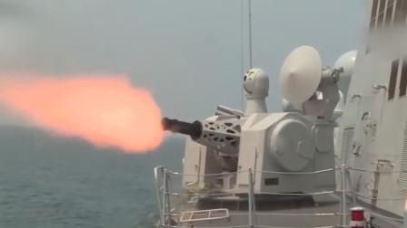燃!实拍解放军052D驱逐舰海上开火:主炮、副炮火力全开超震撼