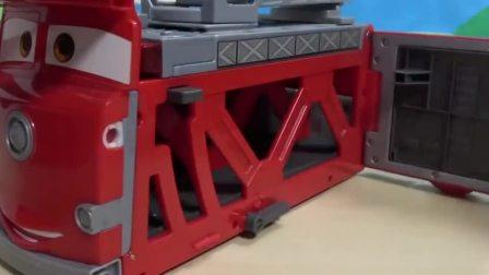迪士尼儿童麦昆汽车弹射轨道,卡车停车场玩具系列