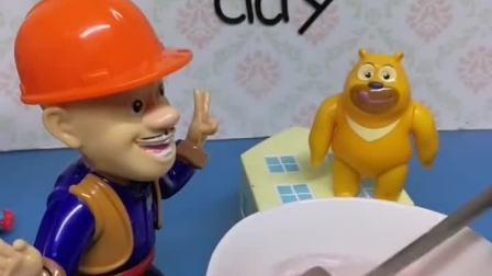 益智宝宝亲子幼教:熊二看到大家都吃糖