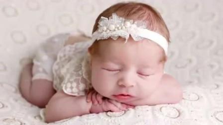 小baby拍新生照,每个动作都浑然天成,那小模样简直萌化你的心