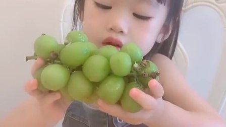 童年趣事:吃葡萄不吐葡萄皮