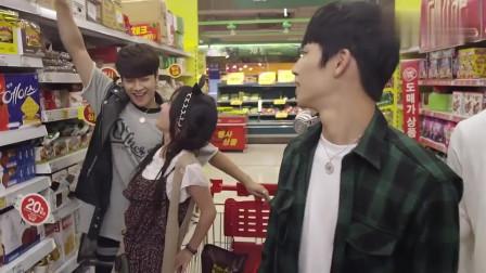 玩偶骑士:帅哥和美女逛超市,欢乐多好可爱!