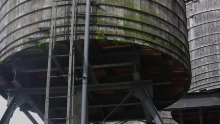 美国水塔里面有多脏?就这样的水还敢当饮用水,太吓人!