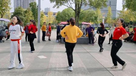 团队健身操每天坚持跳,帮你跳出好身材