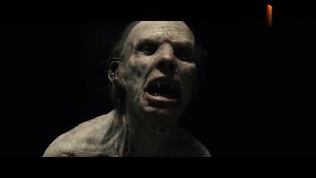 变异吸血鬼入侵男子家中,士兵弟弟拿着刀冲了上去,却被一拳揍飞
