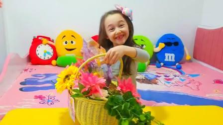 国外儿童时尚,小女孩收到花篮,好开心啊