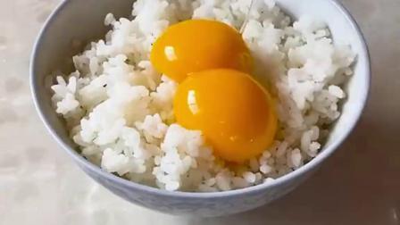 你们做蛋炒饭都喜欢放什么配菜啊?