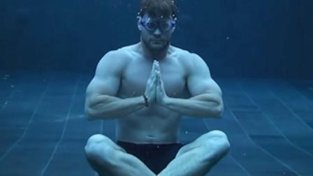 【猴姆独家】HOTHOT!锤哥#Chris Hemsworth#为自己打造的Centr拍摄最新预告片!!