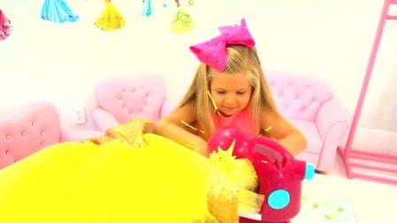 萌娃小可爱真是一位善于做裙子的裁缝呢!小家伙不知不觉间做的裙子都快铺满整个房间了!(1)