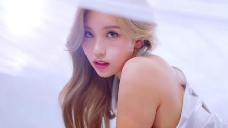 TWICE回归新曲MV公开,超华丽的活力飒爽兔