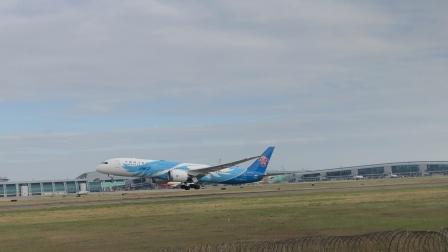 南航787:广州白云国际机场起飞