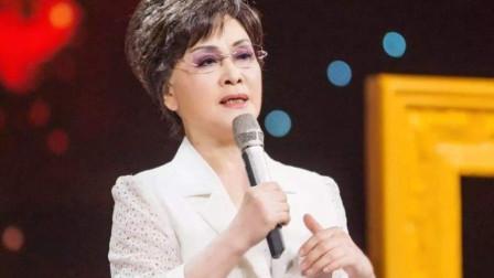 李谷一现场演唱《我和我的祖国》,气势磅礴风采不减当年,有味道
