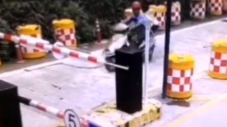 男子无证驾驶摩托车冲撞景区横杆后死亡 家属状告景区被驳回