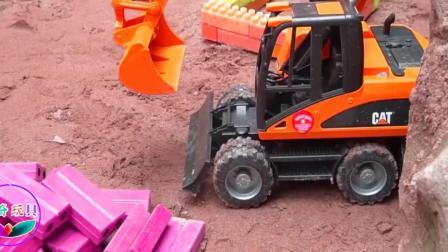 趣味食玩 恐龙带领挖掘机排队工作糖果