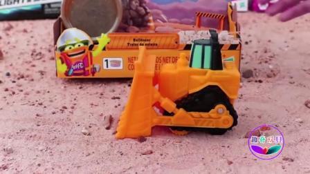 趣玩具之绿巨人 卡车 恐龙箱