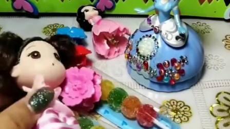 童话故事玩具:白雪公主为什么赶小白雪走?是不是有什么苦衷?
