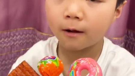 趣味童年:哪个棒棒糖可以吃呢
