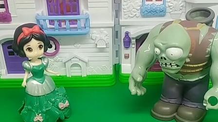白雪遇到麻烦了,巨人僵尸知道了,就去帮助了她