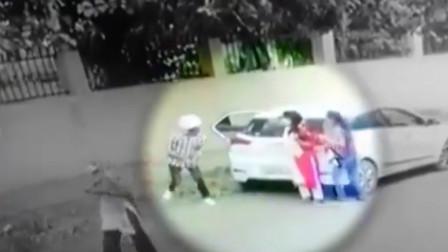 男子在校外掳走女生不成将其枪杀 事发监控曝光令人愤怒