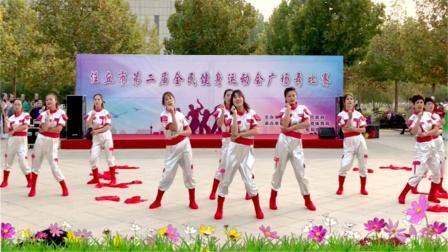 网红舞《苏喂》时尚动感的舞姿,大家齐声叫好