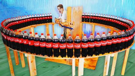 时速高达200公里的铁片,能瞬间劈开100瓶可乐吗?场面太壮观!