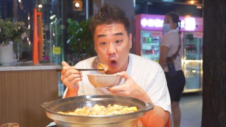 """吃鸡小王子一生""""阅鸡无数"""",这家私房菜馆的""""花胶焖鸡"""",算是他吃过、印象最为深刻的一只了!"""