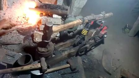 小作坊实拍,看看他们改装的自动锻造锤,高手在民间