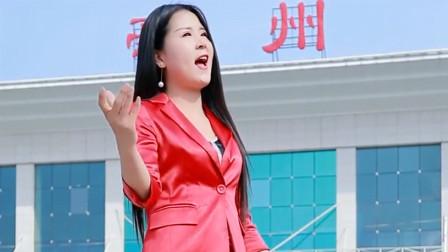 小姐姐演唱一首《带你潇洒带你嗨》,嗓音空灵,妖娆动人